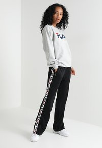 Fila - PURE CREW - Sweatshirt - light grey - 1