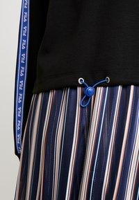 Fila - URA HALF ZIP  - Sweatshirt - black - 5