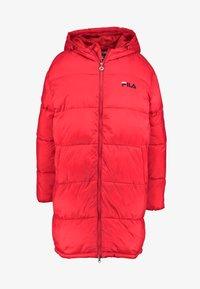 Fila - BRONWED PUFF HOOD JACKET - Zimní kabát - true red - 3