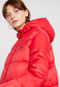 Fila - BRONWED PUFF HOOD JACKET - Zimní kabát - true red - 4