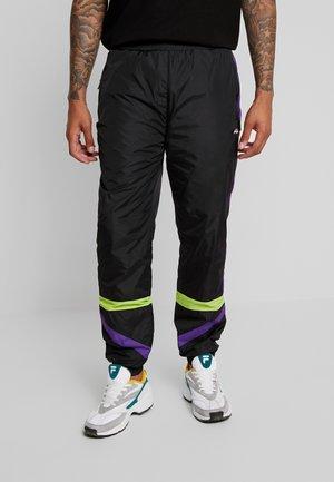 REIGN TRACK PANTS - Trainingsbroek - black/tillandsia purple/acid lime