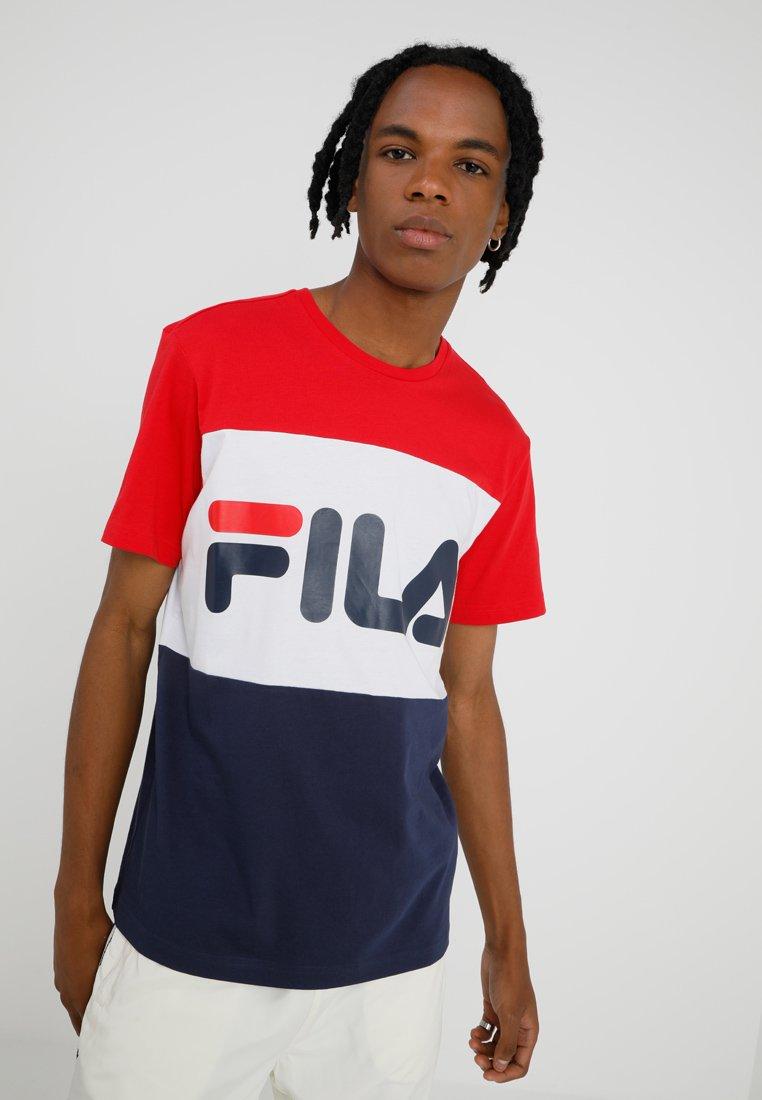 Fila - DAY TEE - T-Shirt print - black iris/bright white/true red