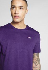 Fila - UNWIND - T-shirt basic - tillandsia purple - 4