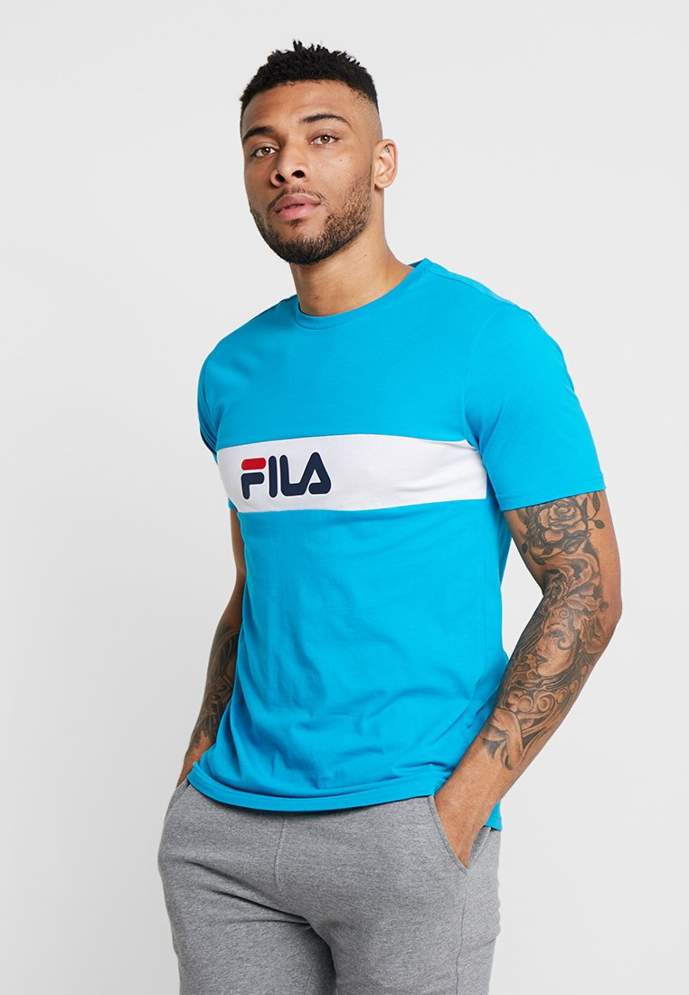 Fila - NOLAN TEE - Print T-shirt - caribbean sea/bright white