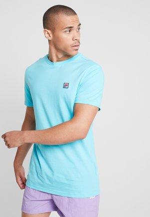 SEAMUS TEE - Print T-shirt - blue curacao