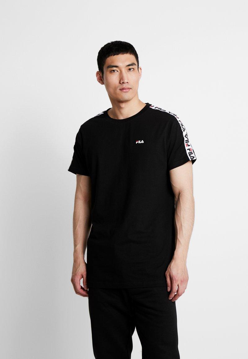Fila - VAINAMO TEE - T-shirt imprimé - black