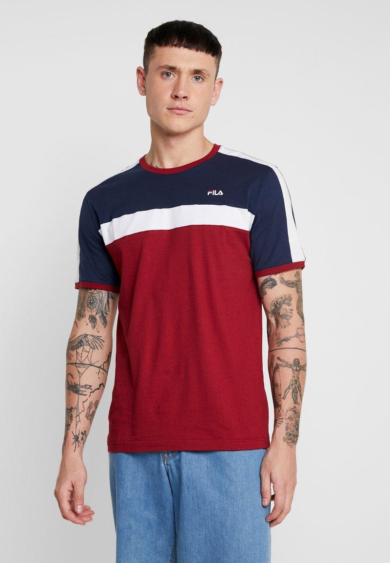 Fila - ANASTAS TEE - Camiseta estampada - red
