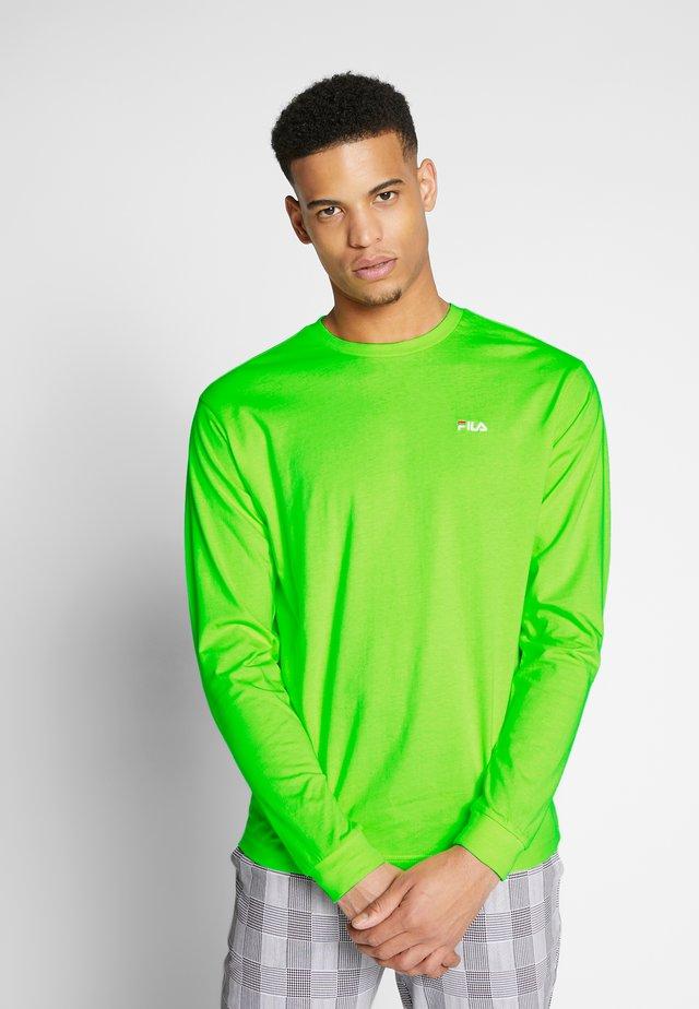EITAN - Long sleeved top - sharp green