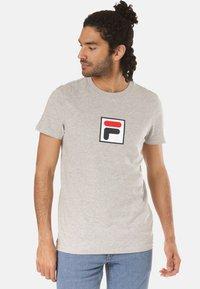 Fila - T-shirt imprimé - grey - 0