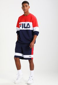 Fila - STRAIGHT BLOCKED CREW - Sweatshirt - blue - 1