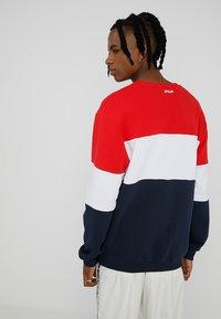 Fila - STRAIGHT BLOCKED CREW - Sweatshirt - black iris/bright white/true red - 2