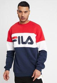 Fila - STRAIGHT BLOCKED CREW - Sweatshirt - black iris/true red/bright white - 0
