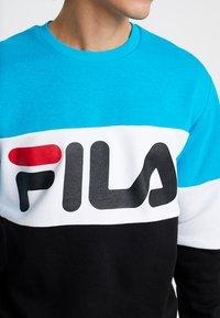 Fila - STRAIGHT BLOCKED CREW - Sweatshirt - carribean sea/bright white/black - 5