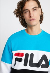 Fila - STRAIGHT BLOCKED CREW - Sweatshirt - carribean sea/bright white/black - 3