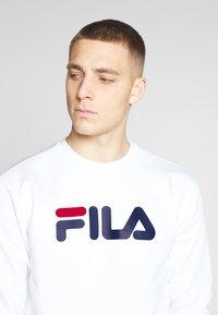 Fila - PURE - Collegepaita - bright white - 4