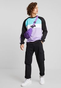 Fila - KAIL CREW - Sweatshirt - black/violet tulip/bright white/blue curacao - 1