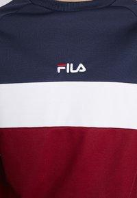 Fila - PAAVO CREW - Sweatshirt - black iris/rhubarb/bright white - 4