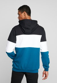 Fila - HOODIE - Luvtröja - black/maroccan blue/bright white - 2
