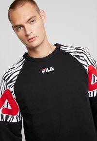 Fila - PALANI CREW - Felpa - black/bright white - 4