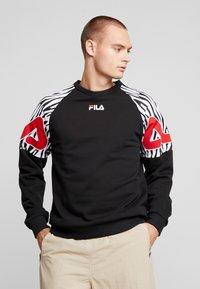 Fila - PALANI CREW - Felpa - black/bright white - 0