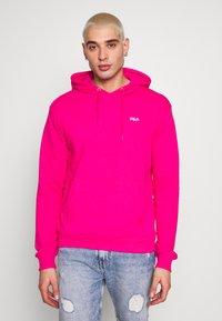 Fila - EDISON - Bluza z kapturem - pink yarrow - 0