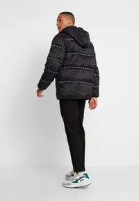 Fila - TATSUJI PUFF JACKET - Winterjas - black - 2