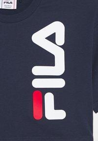 Fila - TYREE - T-shirt z nadrukiem - black iris - 2