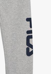 Fila - CLASSIC BASIC PANTS - Träningsbyxor - light grey melange - 4