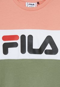Fila - DAY BLOCKED TEE - Camiseta estampada - lobster bisque/sea spray/bright white - 3