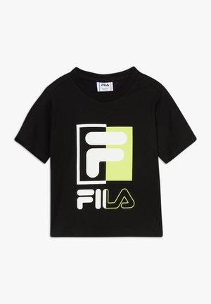SAKU - T-shirts med print - black