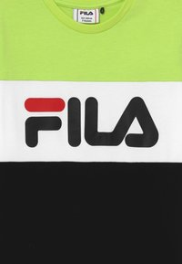 Fila - DAY BLOCKED TEE - T-shirt print - sharp green/black/bright white - 3