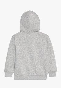 Fila - CLASSIC LOGO ZIP HOODY - Sudadera con cremallera - light grey melange - 1