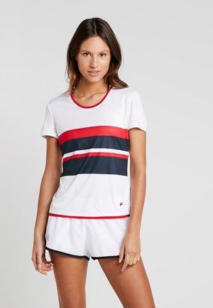 SAMIRA - Print T-shirt - white/blue/red
