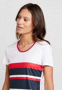 Fila - SAMIRA - Print T-shirt - white/blue/red - 3