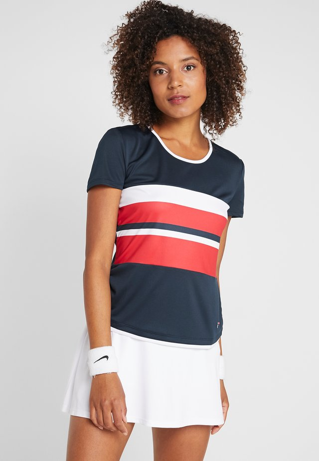 SAMIRA - Print T-shirt - peacoat blue/red