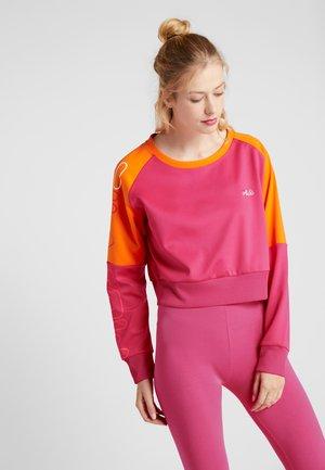 CROPPED CREW - Pitkähihainen paita - beetroot purple/mandarin orange