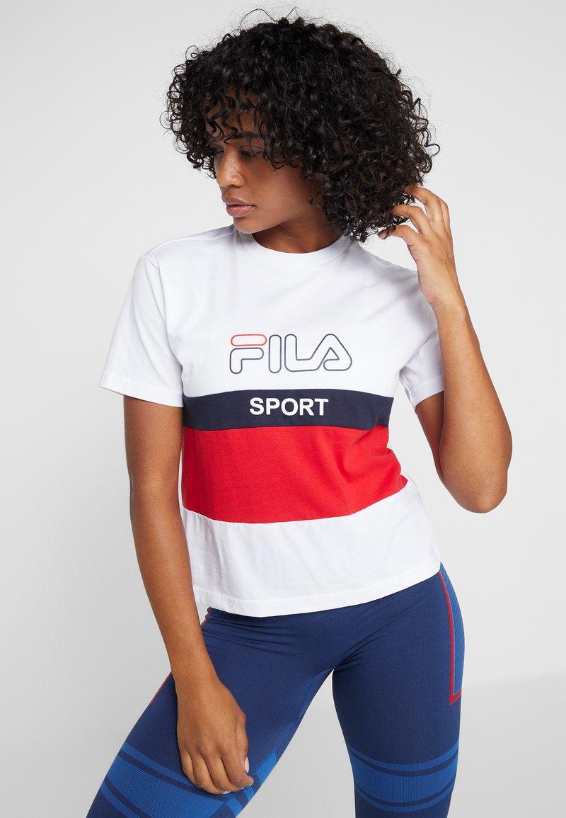 Fila - TEE - Camiseta estampada - bright white/true red/black iris