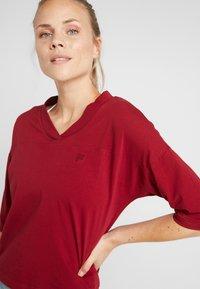Fila - OVERSIZED - T-shirts med print - rhubarb - 3