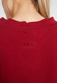 Fila - OVERSIZED - T-shirts med print - rhubarb - 4
