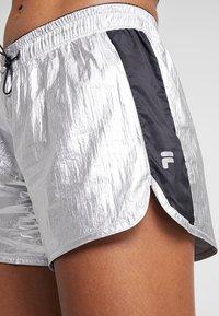 Fila - Sports shorts - silver/black - 5