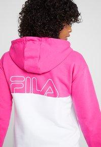 Fila - HOODED ZIP - Hoodie met rits - beetroot purple/bright white - 4