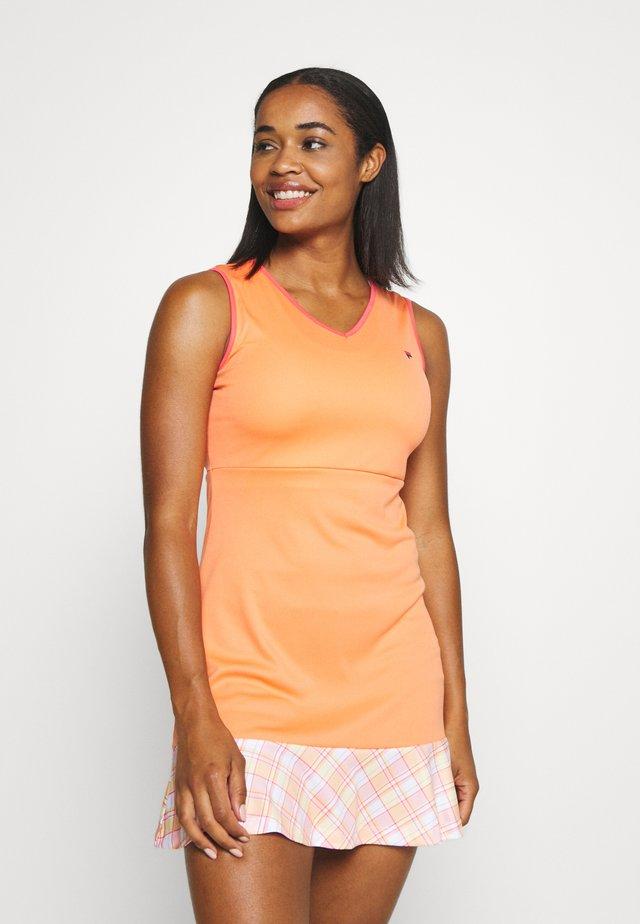 DRESS ZOE - Sportovní šaty - melon