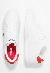 Fila - CROSSCOURT 2 - Obuwie treningowe - white/red - 1