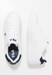 Fila - CROSSCOURT 2 - Sportschoenen - white/dress blue - 1