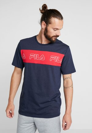 AKI LOGO TEE - T-shirt med print - black iris/true red
