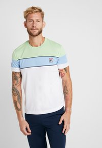 Fila - LASSE - T-shirt med print - white/pistachio green/placid blue/peacoat blue - 0