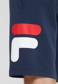 Fila - ROBERT - Pantalón corto de deporte - peacoat blue - 5
