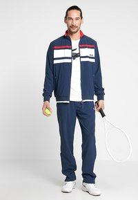 Fila - SUIT THEO - Dres - peacoat blue/white/red - 1