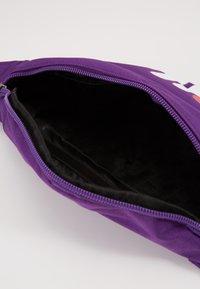 Fila - WAIST BAG SLIM - Vyölaukku -  tillandsia purple - 4