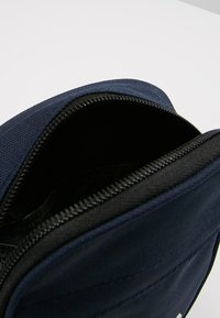 Fila - NEW PUSHER BAG BERLIN - Skuldertasker - black iris - 4